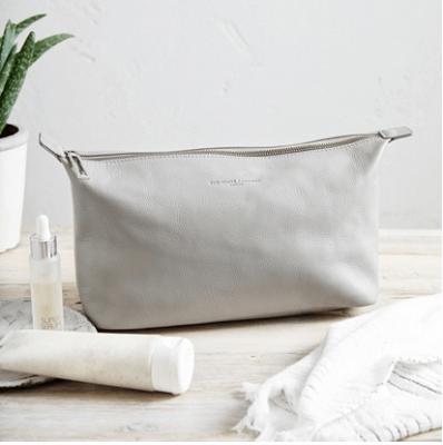 Pebblegrain Leather Washbag