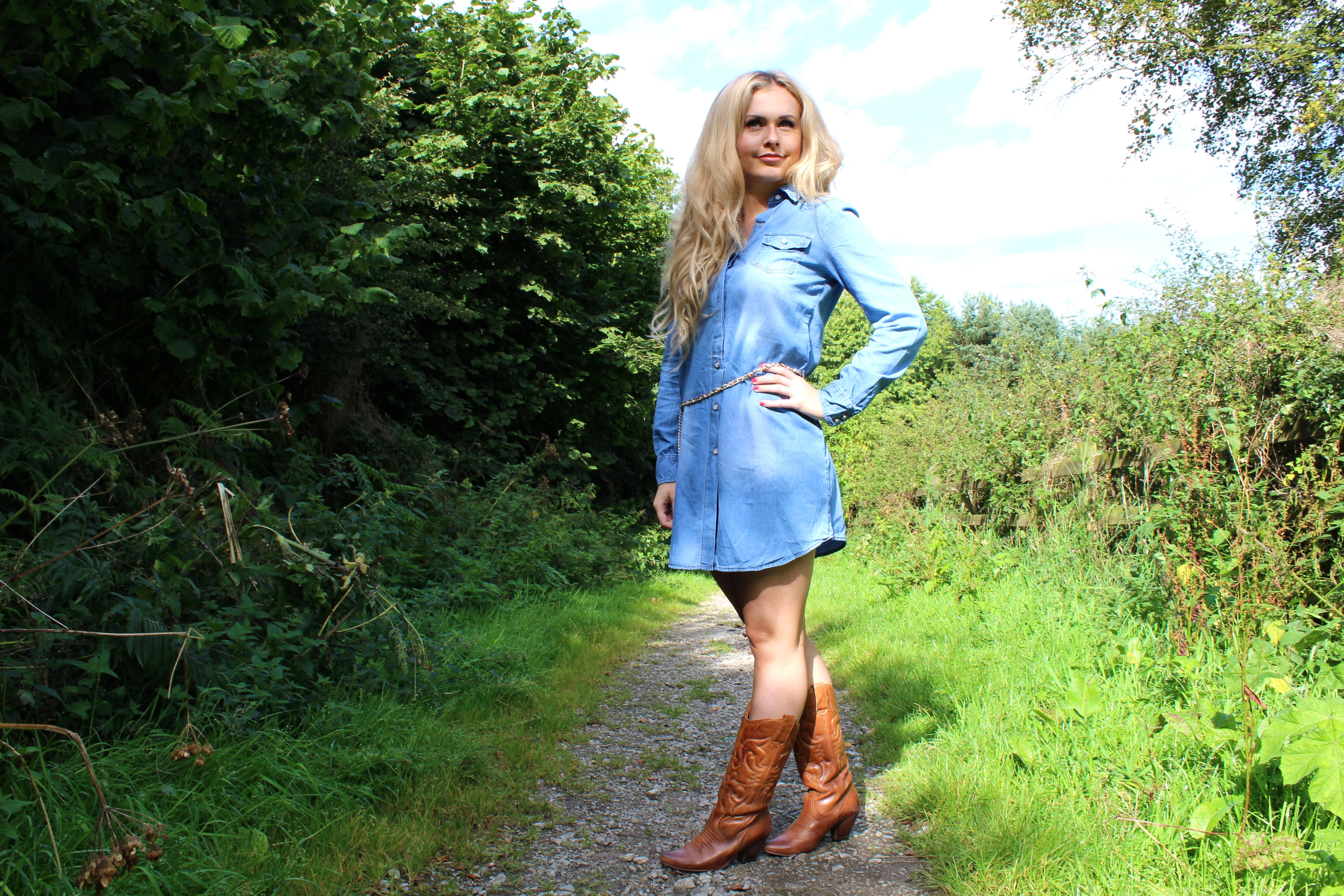 690f053fd2 Boohoo LOTTIE LONGLINE BELTED SHIRT DRESS ...