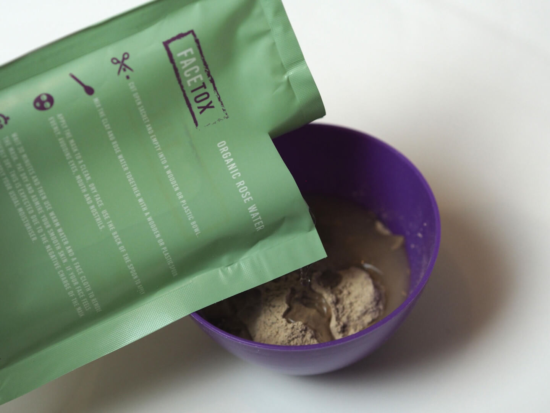 Facetox extract, pull and detoxify clay mask